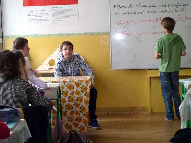 den-ucitelov-12-130_20120331_1507414311.jpg